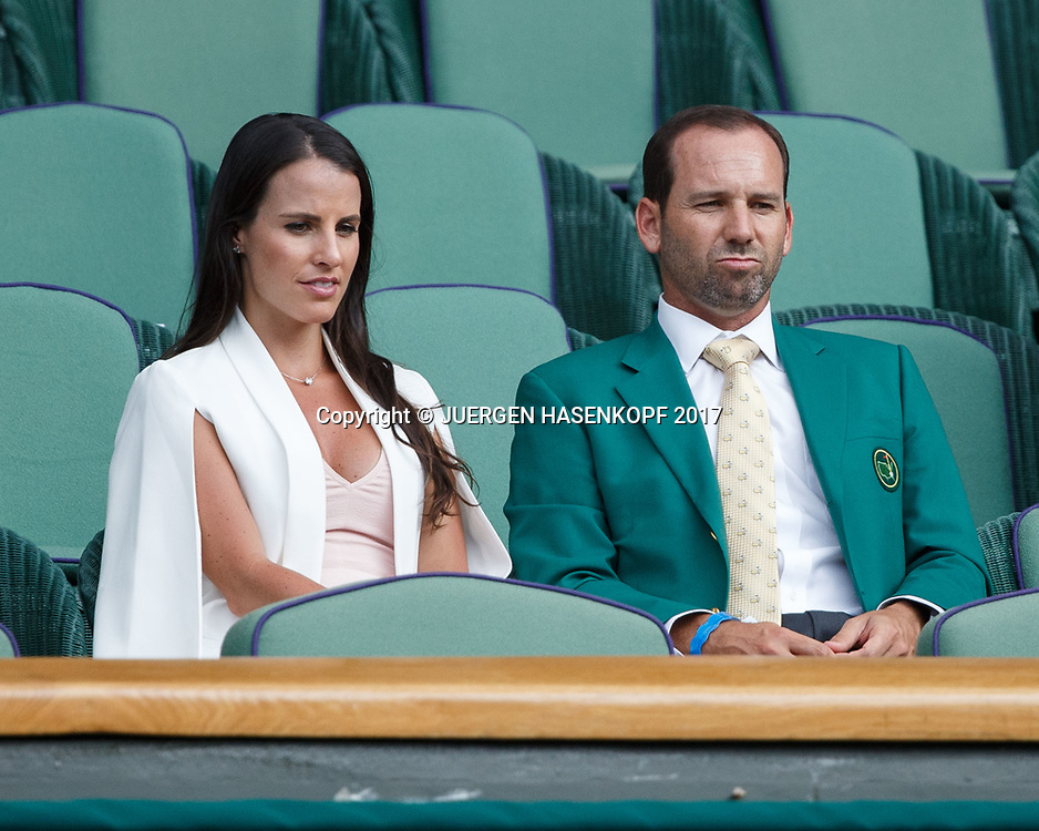Wimbledon Feature, Golfer Sergio Garcia und Verlobte Angela Akins als Zuschauer in der VIP Loge,Royal Box,Promis,<br /> <br /> Tennis - Wimbledon 2017 - Grand Slam ITF / ATP / WTA -  AELTC - London -  - Great Britain  - 7 July 2017.