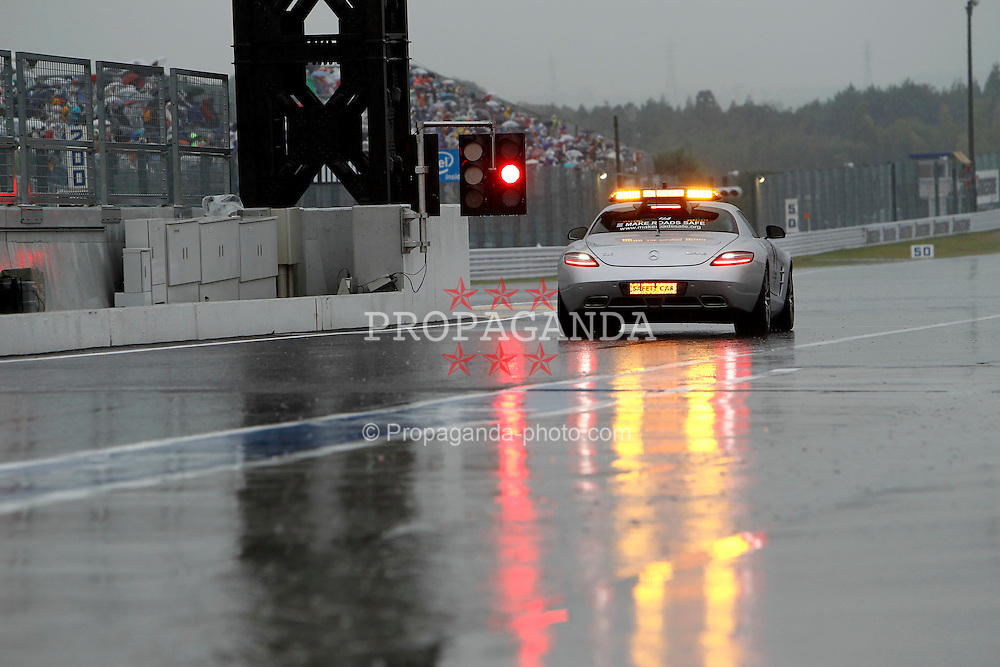 Motorsports / Formula 1: World Championship 2010, GP of Japan, Bernd Maylaender (Safety Car driver)