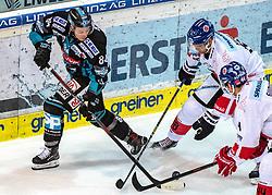 18.01.2019, Keine Sorgen Eisarena, Linz, AUT, EBEL, EHC Liwest Black Wings Linz vs HC TWK Innsbruck Die Haie, 39. Runde, im Bild v.l. Corey Locke (EHC Liwest Black Wings Linz), Tomas Kudelka (HC TWK Innsbruck Die Haie), Sacha Guimond (HC TWK Innsbruck Die Haie), // during the Erste Bank Eishockey League 39th round match between EHC Liwest Black Wings Linz and HC TWK Innsbruck Die Haie at the Keine Sorgen Eisarena in Linz, Austria on 2019/01/18. EXPA Pictures © 2019, PhotoCredit: EXPA/ Reinhard Eisenbauer