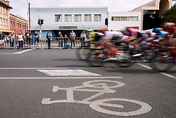 The peloton speed by during Stage 4 of 2020 Santos Women's Tour Down Under, a 42.5 km road race in Adelaide, Australia on January 19, 2020. Photo by Sean Robinson/velofocus.com