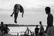 été 2012 à Saint Malo. La piscine de mer, plage du Mole. Piscine de mer, plongeoir piscine de Saint Malo, Brittany, france