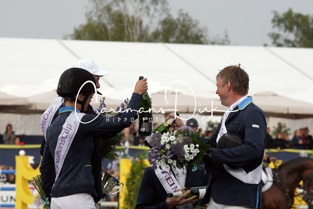 Team Sweden winners of the FEI Nations Cup<br /> Fredricson Jens, Baryard-Johnsson Malin, Von Eckermann Henrik, Bengtsson Rolf Göran, chef d'equipe S. Soderstrand<br /> FEI Nations Cup of Sweden - Falsterbo 2012<br /> © Hippo Foto - Beatrice Scudo