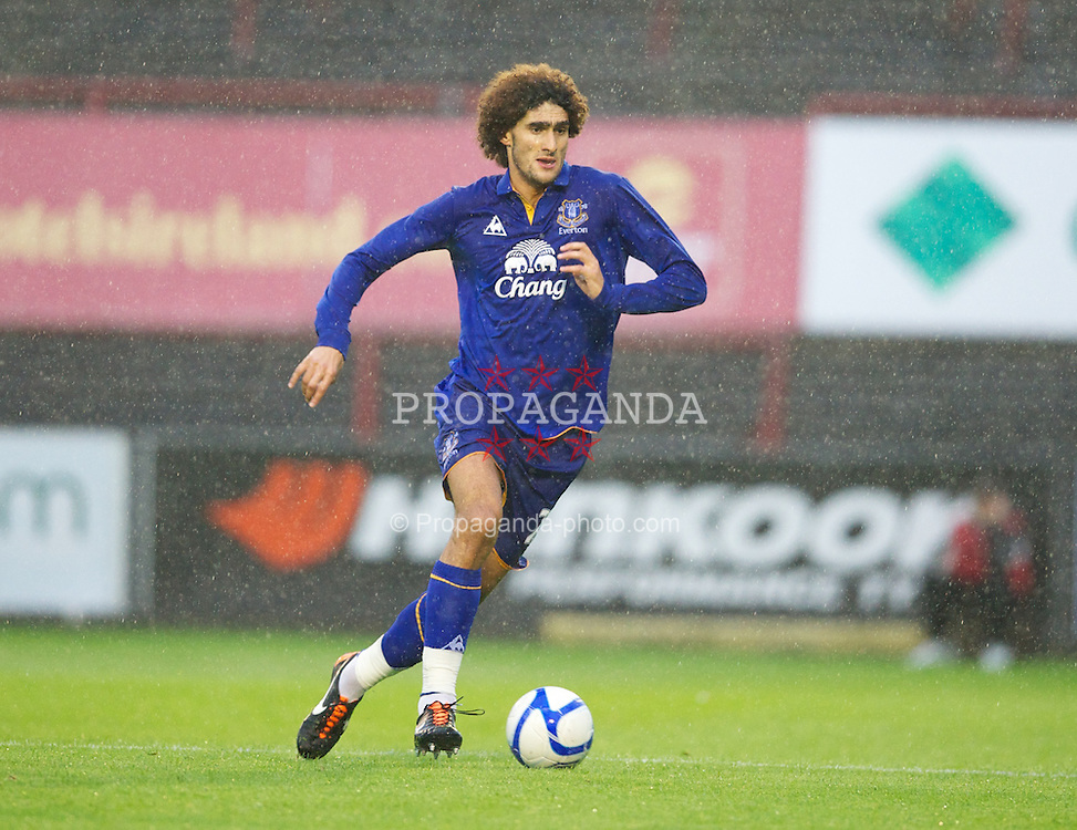 DUBLIN, IRELAND - Monday, August 15, 2011: Everton's Marouane Fellaini in action against Bohemian during a friendly match at Dalymount Park. (Pic by David Rawcliffe/Propaganda)