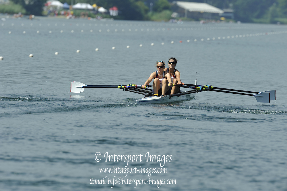 Lucerne, Switzerland, GBR  LW2X. Bow, Hester GOODSELL and Sophie HOSKING, move away from the start. during the FISA World Cup at the Lucerne, Rotsee Regatta Course 10:30:26   Friday  09/07/2010.  [Mandatory Credit Peter Spurrier/ Intersport Images]