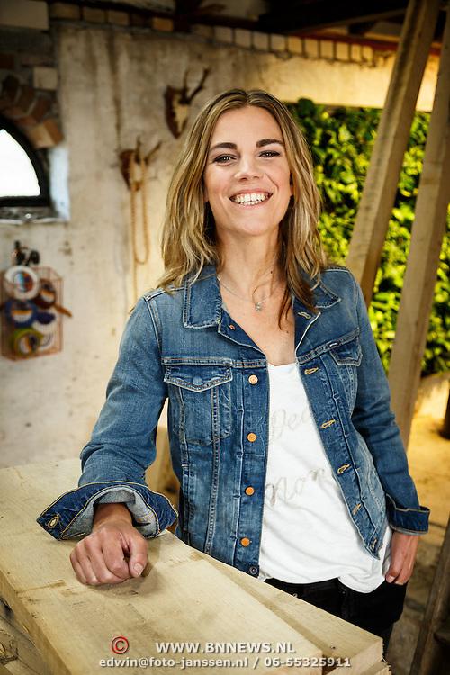 NLD/Zoelen/20150902 - Persdag RTL Eigen Huis en Tuin, klusvrouw Miranda Leijstra