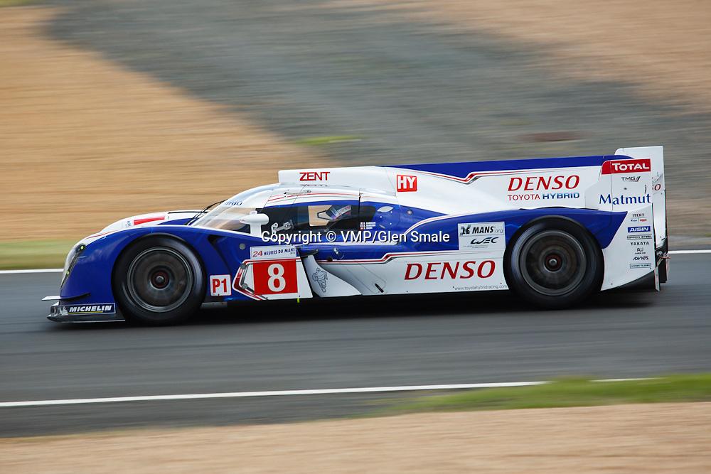 #8 Toyota TS030 Hybrid, P1, Toyota Racing Drivers: Anthony Davidson, Sébastien Buemi, Stéphane Sarrazin, Le Mans 2012