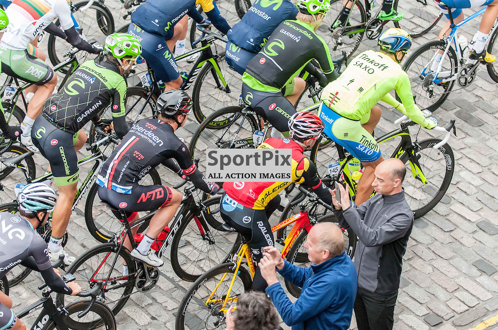 Cycling fans get up close with the riders on Edinburgh's famous Royal Mile, during Stage 4 of the Aviva Tour of Britain, 9 September 2015. (c) Paul J Roberts / Sportpix.org.uk