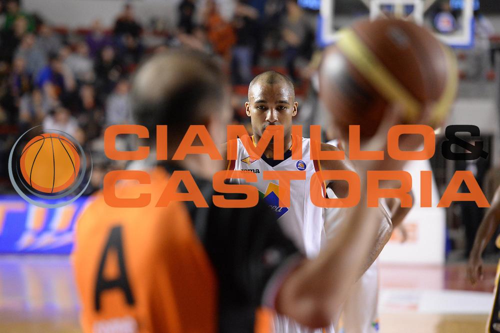 DESCRIZIONE : Campionato 2013/14 Acea Virtus Roma - Sutor Montegranaro<br /> GIOCATORE : Phil Goss<br /> CATEGORIA : Composizione<br /> SQUADRA : Acea Virtus Roma<br /> EVENTO : LegaBasket Serie A Beko 2013/2014<br /> GARA : Acea Virtus Roma - Sutor Montegranaro<br /> DATA : 18/01/2014<br /> SPORT : Pallacanestro <br /> AUTORE : Agenzia Ciamillo-Castoria / GiulioCiamillo<br /> Galleria : LegaBasket Serie A Beko 2013/2014<br /> Fotonotizia : Campionato 2013/14 Acea Virtus Roma - Sutor Montegranaro<br /> Predefinita :