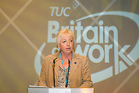 Lesley Auger, NUT, speaking at the TUC 2006...© Martin Jenkinson, tel 0114 258 6808 mobile 07831 189363 email martin@pressphotos.co.uk. Copyright Designs & Patents Act 1988, moral rights asserted credit required. No part of this photo to be stored, reproduced, manipulated or transmitted to third parties by any means without prior written permission