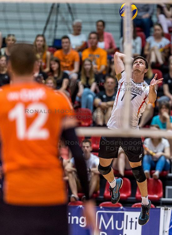 05-06-2016 NED: Nederland - Duitsland, Doetinchem<br /> Nederland speelt de laatste oefenwedstrijd ook in  Doetinchem en speelt gelijk 2-2 in een redelijk duel van beide kanten / David Sossenheimer #17
