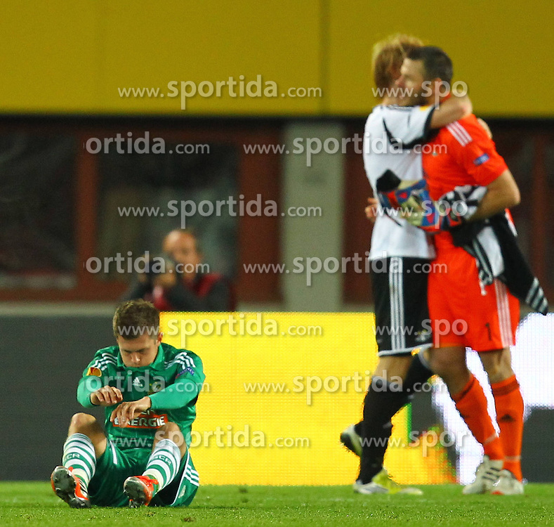 20.09.2012, Ernst Happel Stadion, Wien, AUT, UEFA Europa League, SK Rapid Wien vs Rosenborg Trondheim, Gruppe K, im Bild Deni Alar (SK Rapid Wien, #33) am Boden enttaeuscht // during the UEFA Europa League group K match between SK Rapid Vienna and Rosenborg Trondheim at the Ernst Happel Stadion, Vienna, Austria on 2012/09/20. EXPA Pictures © 2012, PhotoCredit: EXPA/ Patrick Leuk