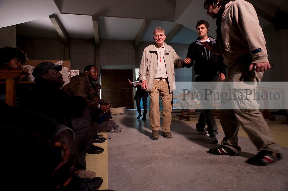 IL VILLAGGIO DI CARTONE.REGIA ERMANNO OLMI.BARI 03 DICEMBRE 2010.