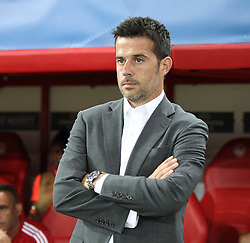 16.09.2015, Karaiskakis Stadium, Piräus, GRE, UEFA CL, Olympiakos Piräus vs FC Bayern München, Gruppe F, im Bild Chef-Trainer Marco Silva (Olympiakos Piraeus) // during UEFA Champions League group F match between Olympiacos F.C. and FC Bayern Munich at the Karaiskakis Stadium in Piräus, Greece on 2015/09/16. EXPA Pictures © 2015, PhotoCredit: EXPA/ Eibner-Pressefoto/ Kolbert<br /> <br /> *****ATTENTION - OUT of GER*****