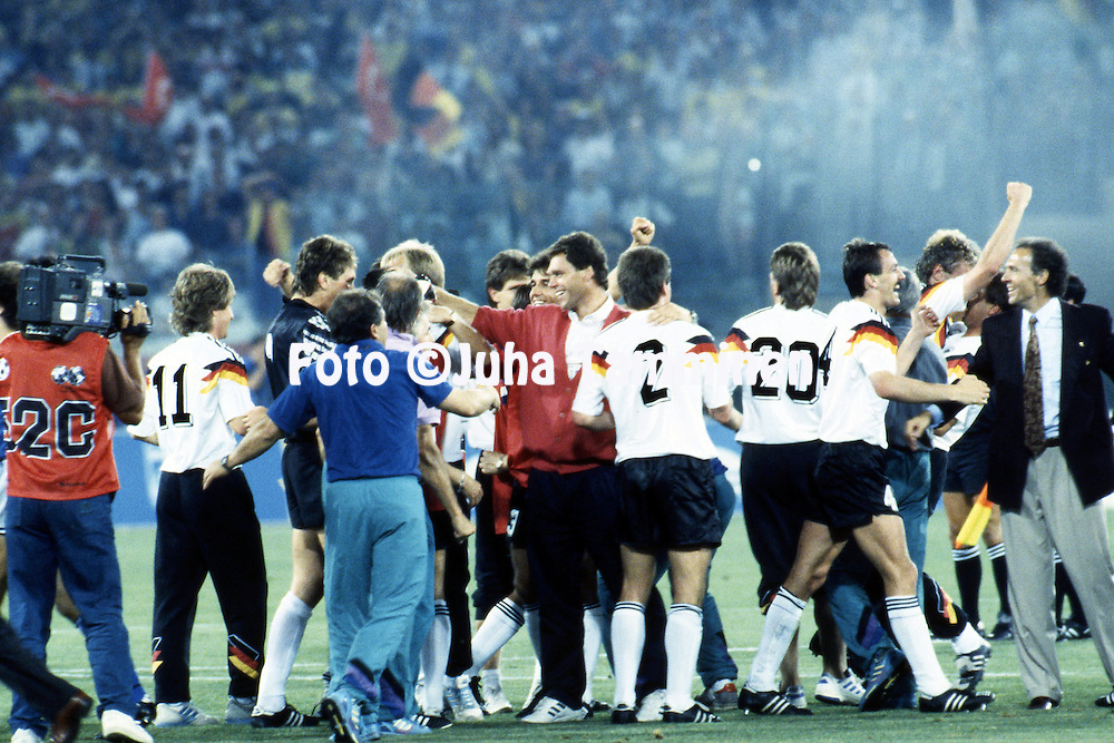 FIFA World Cup - Italia 1990<br /> Stadio Olimpico, Rome, Italy.<br /> Final Argentina v West Germany.<br /> German celebrations at the end of the match, on right coach Franz Beckenbauer.