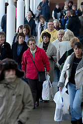 © under licence to London News Pictures 5/12/2010 Christmas Shoppers were out in force today at Fosse Park, Leicester, as roads and walkways were jammed wth people venturing out after being kept in by the snow..Picture credit: Dave Warren/London News Pictures...