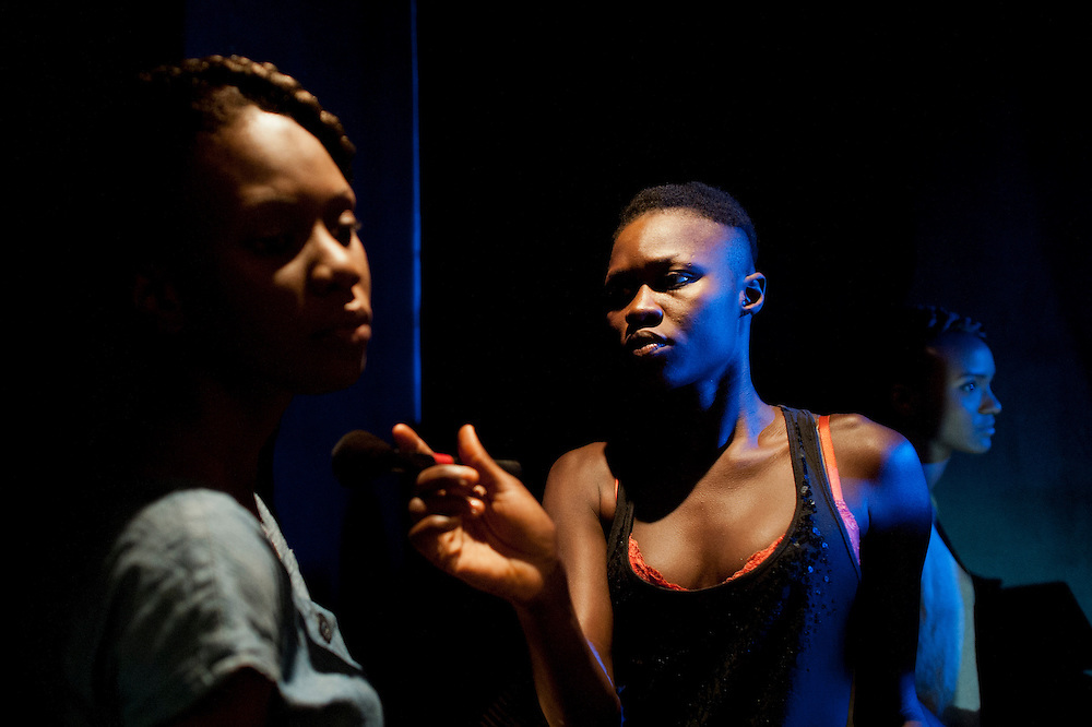 14/06/2012. Senegal, Dakar.  Backstage scene on June 14, 2012 at the second day of the Dakar Fashion Week's 10 year anniversary taking place from June 12 to 17. ©Sylvain Cherkaoui