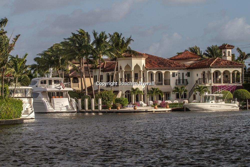 20151122 Fort Lauderdale  Florida USA <br /> Lyx yachter och fint hus i en av kanalerna<br /> FT Lauderdale <br /> <br /> <br /> FOTO : JOACHIM NYWALL KOD 0708840825_1<br /> COPYRIGHT JOACHIM NYWALL<br /> <br /> ***BETALBILD***<br /> Redovisas till <br /> NYWALL MEDIA AB<br /> Strandgatan 30<br /> 461 31 Trollh&auml;ttan<br /> Prislista enl BLF , om inget annat avtalas.