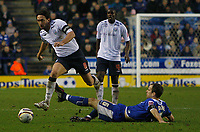 Photo: Steve Bond/Sportsbeat Images.<br /> Leicester City v West Bromwich Albion. Coca Cola Championship. 08/12/2007. Jonathan Greening (L) vaults the challange of Stephen Clemence (R)