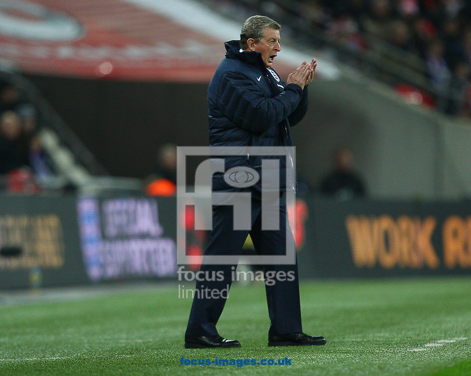Picture by Rob Fisher/Focus Images Ltd +44 7450 945824<br /> 15/11/2013<br /> Roy Hodgson, manager of England shouts instruction during the Friendly match at Wembley Stadium, London.