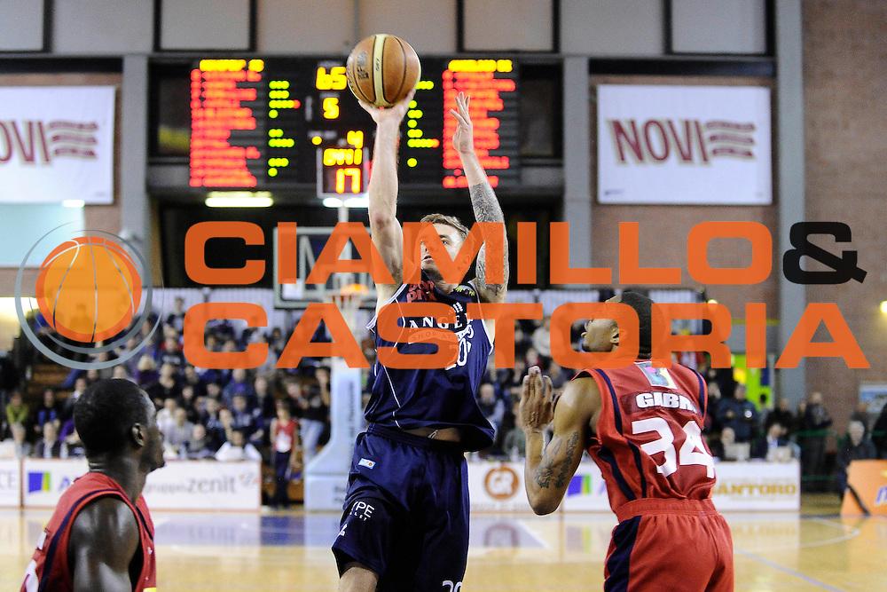 DESCRIZIONE : Casale Monferrato LNP Gold 2014-15 Angelico Biella Novipiu Casale Monferrato<br /> GIOCATORE : Alan Voskuil<br /> CATEGORIA : tiro<br /> SQUADRA : Angelico Biella<br /> EVENTO : Campionato LNP Gold 2014-15<br /> GARA : Novipiu Casale Monferrato Angelico Biella<br /> DATA : 07/12/2014<br /> SPORT : Pallacanestro<br /> AUTORE : Agenzia Ciamillo-Castoria/Max.Ceretti<br /> Galleria : Casale Monferrato LNP Gold 2014-15 Angelico Biella Novipiu Casale Monferrato<br /> Predefinita :