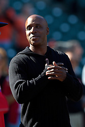 SAN FRANCISCO, CA - JULY 10:  Former Major League Baseball player Barry Bonds watches the San Francisco Giants during batting practice before the game against the Philadelphia Phillies at AT&T Park on July 10, 2015 in San Francisco, California.  The San Francisco Giants defeated the Philadelphia Phillies 15-2. (Photo by Jason O. Watson/Getty Images) *** Local Caption *** Barry Bonds