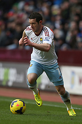 West Ham United's Matthew Jarvis - Photo mandatory by-line: Matt Bunn/JMP - Tel: Mobile: 07966 386802 08/02/2014 - SPORT - FOOTBALL - Birmingham - Villa Park - Aston Villa v West Ham United - Barclays Premier League