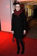 Premiere van de muziekkomedie Little Voice in het oude Luxor Theater, Rotterdam.<br /> <br /> Op de foto: <br /> <br />  Renée van Wegberg