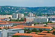 Plattenbauten der Johannstadt, Loschwitz und Weißer Hirsch im Hintergrund, Dresden, Sachsen, Deutschland.|.apartment buildings, Loschwitz and Weißer Hirsch in background, Dresden, Germany
