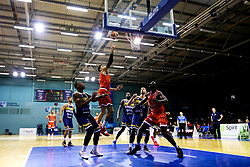 Lewis Champion of Bristol Flyers leaps for the basket - Mandatory by-line: Robbie Stephenson/JMP - 05/10/2018 - BASKETBALL - University of Worcester Arena - Worcester, England - Bristol Flyers v Worcester Wolves - British Basketball League
