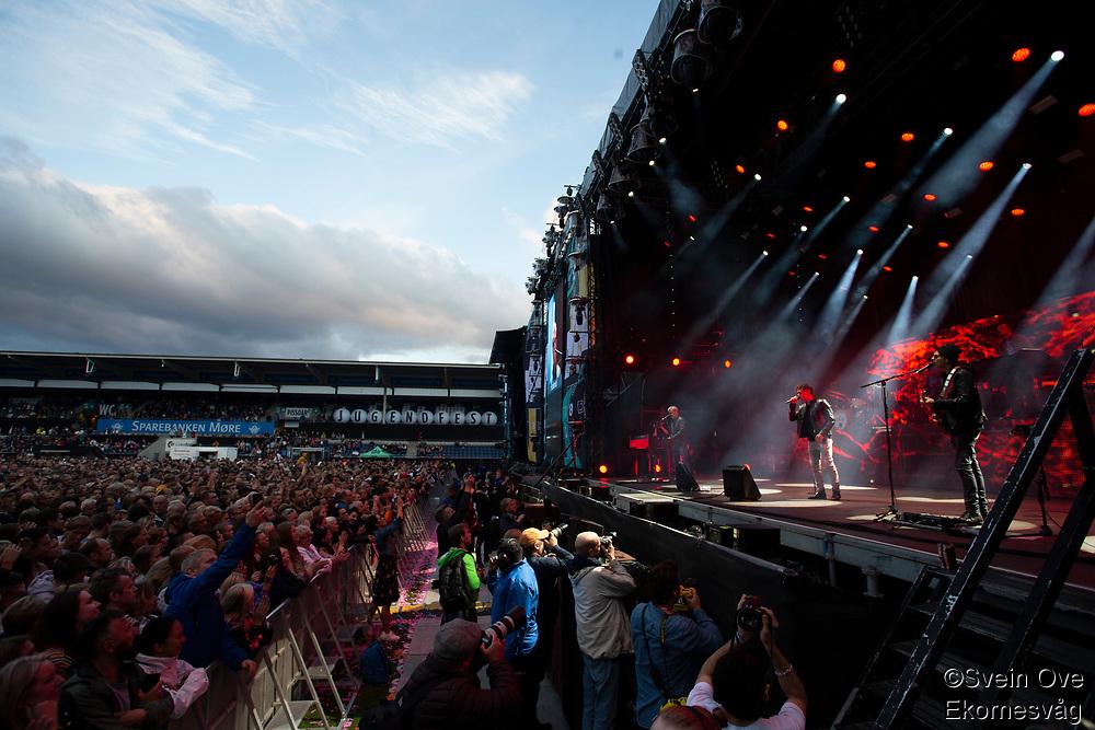 A-ha under Jugendfest 2018 på Color Line Stadion i Ålesund.