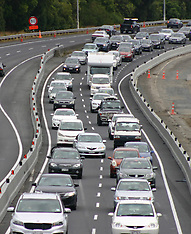 Auckland-Traffic nose to tail on Southern Motorway end of Xmas break