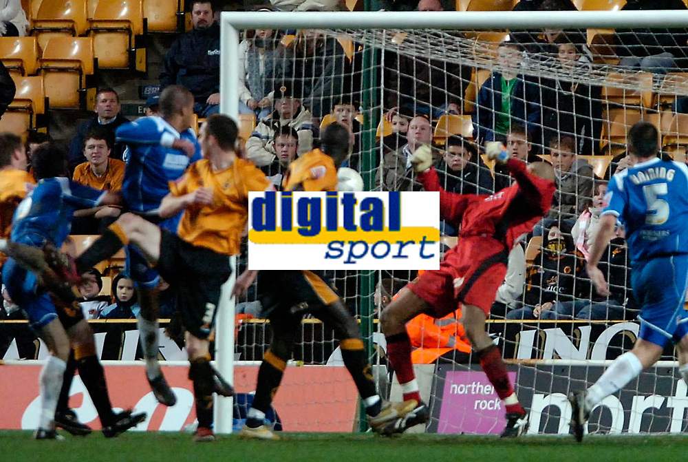 Photo: Ed Godden/Sportsbeat Images.<br /> Wolverhampton Wanderers v Oldham Athletic. The FA Cup. 06/01/2007. Oldham's Chris Hall (2nd left) scores the late equaliser to make it 2-2.