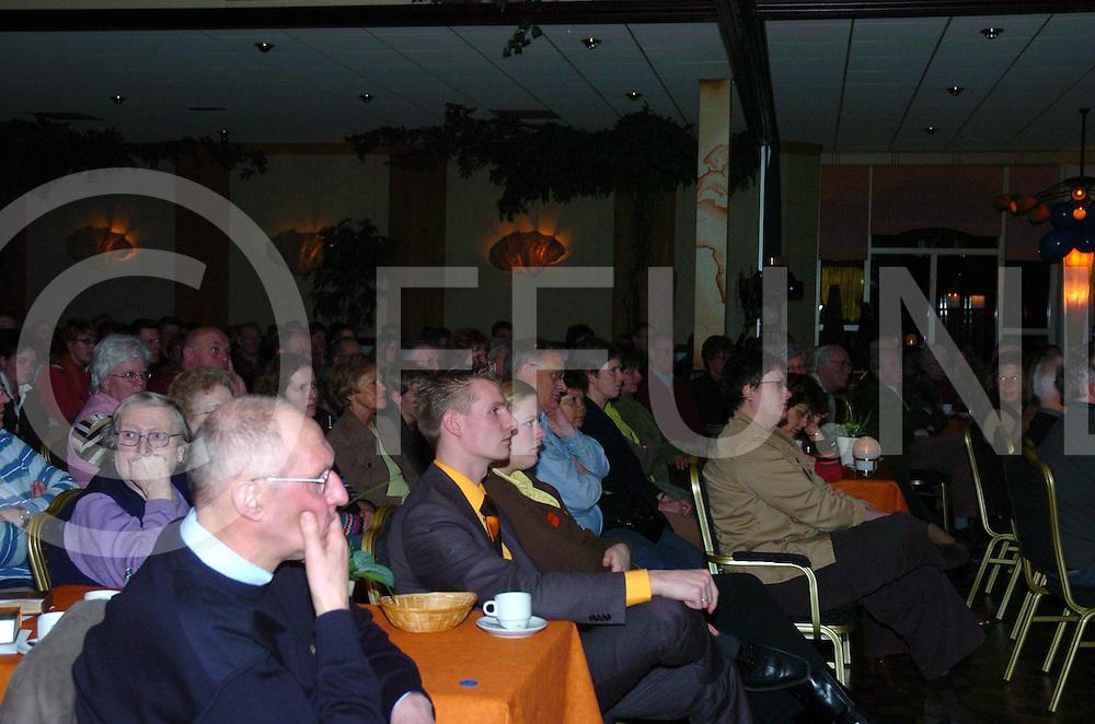 060323,wierden,nederland,<br /> evangelisatieavond van pro christ,<br /> Fotografie Frank Uijlenbroek&copy;2006frankuijlenbroek