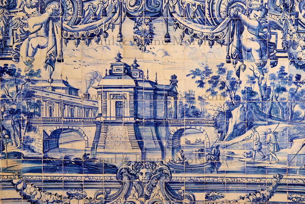 Portugal, Lisbonne, quartier de l'Alfama, monastère de Saint-Vincent de Fora ou Igreja de São Vicente de Fora, azulejos  // Portugal, Lisbon, Alfama, St Vincent de Fora monastery, Igreja de São Vicente de Fora, Historical azulejos, the blue-glazed ceramic tile, famous in the area