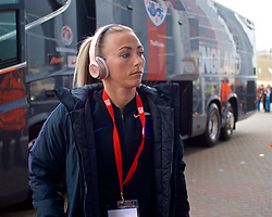 SOUTHAMPTON, ENGLAND - Friday, April 6, 2018: England's Toni Duggan arrives before the FIFA Women's World Cup 2019 Qualifying Round Group 1 match between England and Wales at St. Mary's Stadium. (Pic by David Rawcliffe/Propaganda)