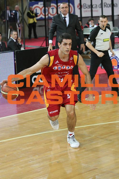 DESCRIZIONE : Roma Lega A1 2007-08 Lottomatica Virtus Roma Siviglia Wear Teramo <br /> GIOCATORE : Rodrigo De La Fuente <br /> SQUADRA : Lottomatica Virtus Roma <br /> EVENTO : Campionato Lega A1 2007-2008 <br /> GARA : Lottomatica Virtus Roma Siviglia Wear Teramo <br /> DATA : 13/01/2008 <br /> CATEGORIA : Palleggio <br /> SPORT : Pallacanestro <br /> AUTORE : Agenzia Ciamillo-Castoria/G.Ciamillo