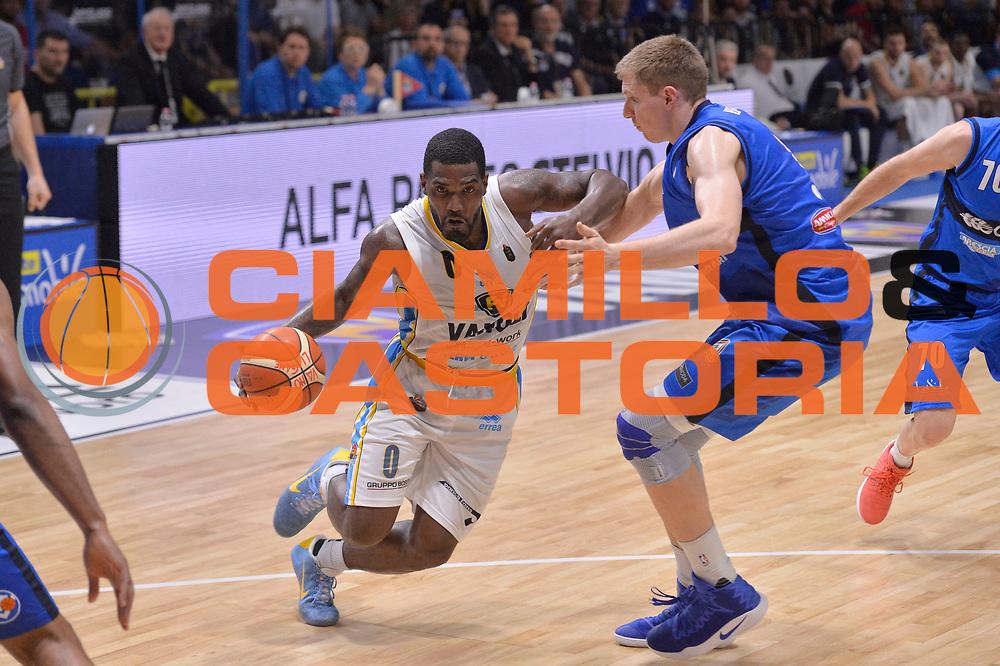 Darius Johnson Odom<br /> Vanoli Cremona - Germani Basket Brescia Leonessa<br /> Lega Basket Serie A 2016/2017<br /> Cremona, 09/04/2017<br /> Foto M.Ceretti / Ciamillo - Castoria