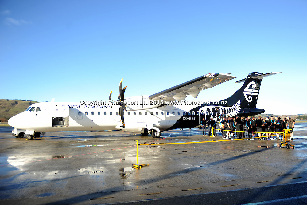 The Highlanders plane sits on the tarmac, during the Highlanders Airport Arrival after winning the Super Rugby Title, Dunedin Airport, Dunedin, New Zealand, 5 July 2015. Credit: Joe Allison / www.Photosport.co.nz