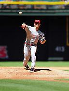 Apr. 10 2011; Phoenix, AZ, USA; Cincinnati Reds starting pitcher Mike Leake (44) pitches during the first inning against the Arizona Diamondbacks at Chase Field. Mandatory Credit: Jennifer Stewart-US PRESSWIRE..