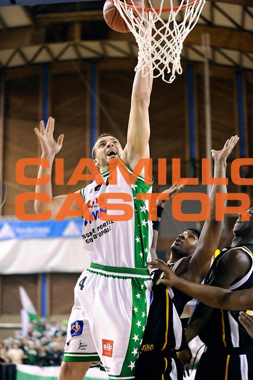 DESCRIZIONE : Championnat de France Basket Ligue Pro B  Reportage Le Portel Boulogne<br /> GIOCATORE : LABEYRIE Mehdi<br /> SQUADRA : Le Portel<br /> EVENTO : Ligue Pro B 2010-2011 <br /> GARA : Le Portel Boulogne<br /> DATA : 17/12/2010<br /> CATEGORIA : Basketbal France Ligue Pro B<br /> SPORT : Basketball<br /> AUTORE : JF Molliere par Agenzia Ciamillo-Castoria <br /> Galleria : France Basket 2010-2011 Action<br /> Fotonotizia : Championnat de France Basket Ligue Pro B Le Portel &agrave; Boulogne<br /> Predefinita :
