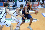 DESCRIZIONE : Caserta Lega serie A 2013/14  Pasta Reggia Caserta Acea Virtus Roma<br /> GIOCATORE : hosley quinton<br /> CATEGORIA : palleggio<br /> SQUADRA : Acea Virtus Roma<br /> EVENTO : Campionato Lega Serie A 2013-2014<br /> GARA : Pasta Reggia Caserta Acea Virtus Roma<br /> DATA : 10/11/2013<br /> SPORT : Pallacanestro<br /> AUTORE : Agenzia Ciamillo-Castoria/GiulioCiamillo<br /> Galleria : Lega Seria A 2013-2014<br /> Fotonotizia : Caserta  Lega serie A 2013/14 Pasta Reggia Caserta Acea Virtus Roma<br /> Predefinita :