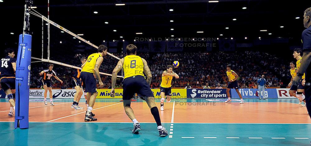26-06-2010 VOLLEYBAL: WLV NEDERLAND - BRAZILIE: ROTTERDAM<br /> Nederland verliest met 3-1 van Brazilie / Brazilie verdedigt met Bruno<br /> &copy;2010-WWW.FOTOHOOGENDOORN.NL