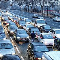 Tra le città più inquinate d'Italia c'è Torino<br /> Gli sforamenti della soglia massima della concentrazione di Pm10, le cosiddette polveri sottili  (50 microgrammi al metro cubo) sono spesso registrati dalla centralina in piazza Rebaudengo, zona molto trafficata alla periferia della citta'.