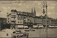 Zagreb : Jelačićev trg. <br /> <br /> Impresum[Prag] : [Lederer & Popper], [1912].<br /> Materijalni opis1 razglednica : tisak ; 9 x 13,9 cm.<br /> NakladnikLederer & Popper<br /> Vrstavizualna građa • razglednice<br /> ZbirkaZbirka razglednica • Grafička zbirka NSK<br /> ProjektPozdrav iz Zagreba • Pozdrav iz Hrvatske<br /> Formatimage/jpeg<br /> PredmetZagreb –– Trg bana Josipa Jelačića<br /> SignaturaRZG-JEL-4<br /> Obuhvat(vremenski)20. stoljeće<br /> NapomenaRazglednica je putovala 1912. godine. • U lijevom donjem kutu poleđine razglednice otisnut je monogram Lederera & Poppera - L. & P. // P. (za Prag).<br /> PravaJavno dobro<br /> Identifikatori000952391<br /> NBN.HRNBN: urn:nbn:hr:238:095191 <br /> <br /> Izvor: Digitalne zbirke Nacionalne i sveučilišne knjižnice u Zagrebu