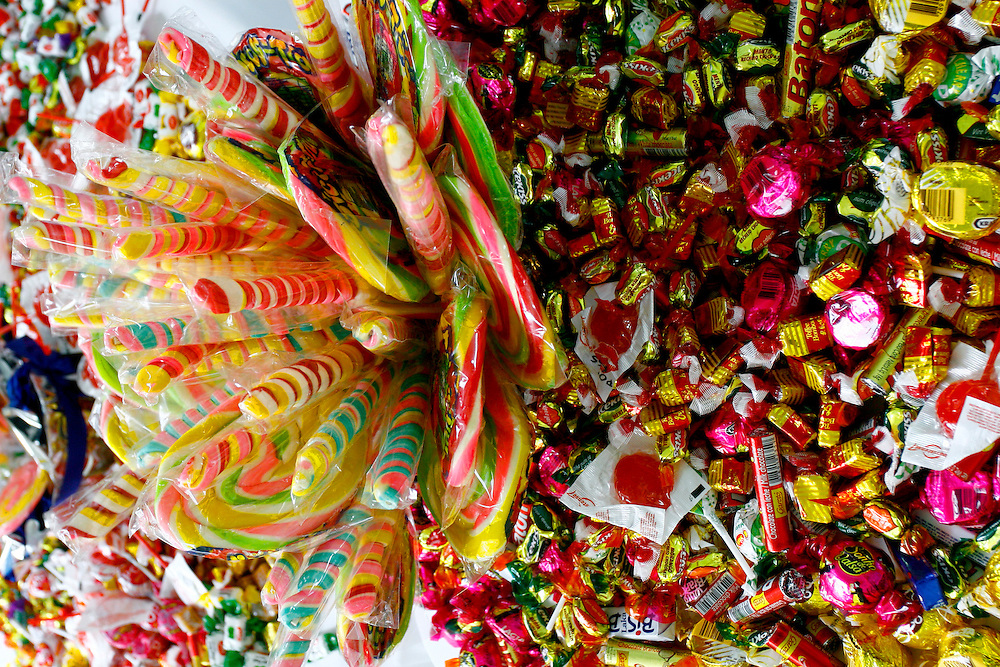 Santa Luzia_MG, Brasil...Detalhe de mesa com doces em Santa Luzia...Detail of a table with candies in Santa Luzia...Foto: LEO DRUMOND / NITRO