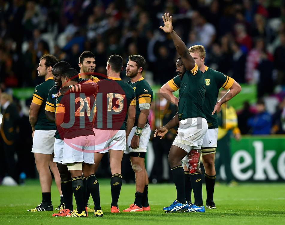 Tendai Mtawarira of South Africa waves to the crowd after the match - Mandatory byline: Patrick Khachfe/JMP - 07966 386802 - 07/10/2015 - RUGBY UNION - The Stadium, Queen Elizabeth Olympic Park - London, England - South Africa v USA - Rugby World Cup 2015 Pool B.