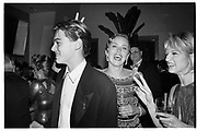 LEONARDO DI CAPRIO; SHARON STONE; ELLEN BARKIN, Steve Tisch and Graydon Carter's Oscar night party. Mortons, Los Angeles, March 1994. SUPPLIED FOR ONE-TIME USE ONLY> DO NOT ARCHIVE. © Copyright Photograph by Dafydd Jones 248 Clapham Rd.  London SW90PZ Tel 020 7820 0771 www.dafjones.com
