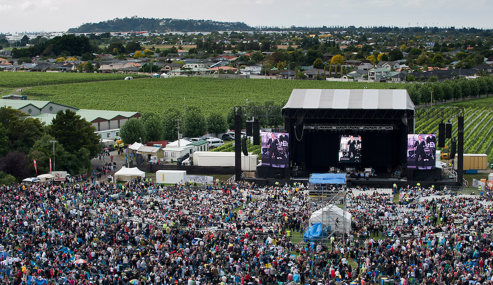 Crowds wait to see Rod Stewart perform at the Mission Concert, Napier, New Zealand.  25 February, 2012. Photo: SNPA / Lynda Forrest