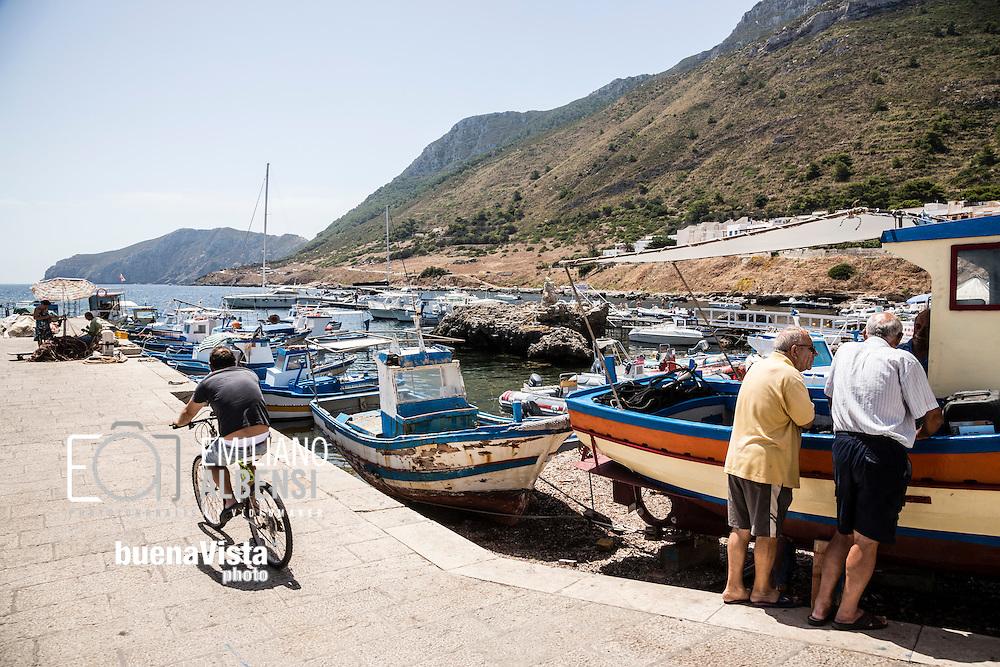 Marettimo, Sicilia, Italia, 2016<br /> Il porto di Marettimo, Isole Egadi.<br /> <br /> Marettimo, Sicily, Italy, 2016<br /> The port of Marettimo, Aegadian Islands.