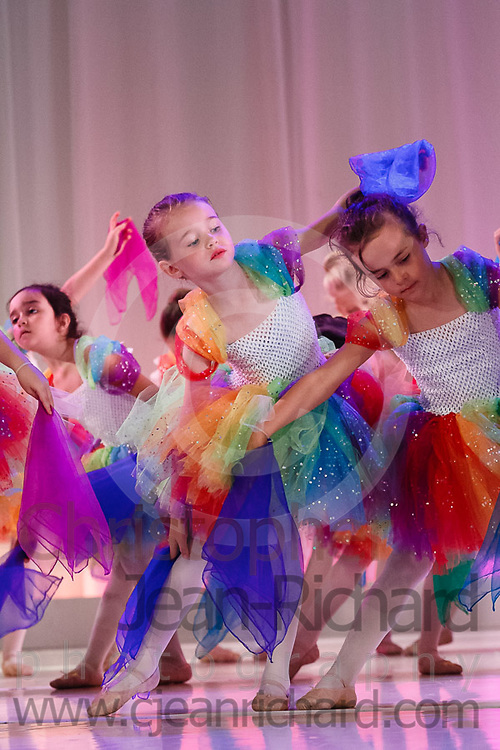 ART: 2017<br /> <br /> The Rainbow Connection<br /> Choreographie: Gretchen Bernard-Newburger mit Leonie Hildebrand-Karl<br /> Assistenz: Christina Henderson<br /> Pre Di/Mi AL, White Fr, Peach<br /> <br /> Students and Instructors of Atelier Rainbow Tanzkunst (http://www.art-kunst.ch/) rehearse on the stage of the Schinzenhof for a series of performances in June, 2017.<br /> <br /> Schinzenhof, Alte Landstrasse 24 8810 Horgen Switzerland